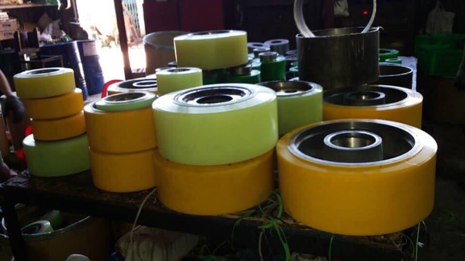 Dịch vụ bọc bánh xe nâng tại Bắc Ninh giá rẻ, chất lượng